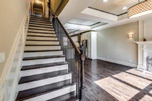 楼梯,木门